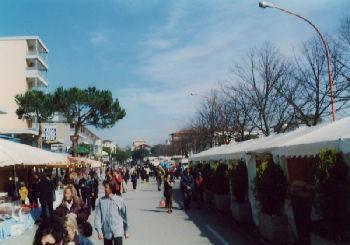 Il mercatino di Pinarella